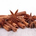 Star anise and cinnamon — Stock Photo