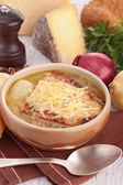 Onion soup with bread and gruyere — Stock Photo