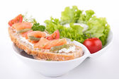 Brood met zalm — Stockfoto