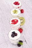 Frutas y yogurt — Foto de Stock