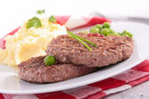 Beefsteak and puree — Stock Photo