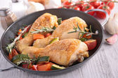 Chicken leg and vegetable — Stockfoto