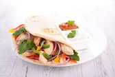 Fajita with vegetable and chicken — 图库照片