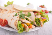 Fajita with vegetable and chicken — Stockfoto