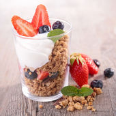 Berry and muesli — Photo