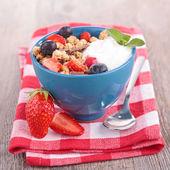 Granola,fruit and yogurt — Stock Photo