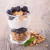 Granola,fruit and yogurt — Stock Photo