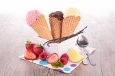 Cuillère à crème glacée en cornet — Photo