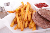 Beefsteak and fries — 图库照片