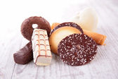 Biscuit on wooden table — Stock Photo
