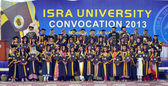 Group photo of successful students on the occasion of annual convention of Isra University — Stock Photo