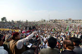 Muslim League-N Chief, Nawaz Sharif addresses huge numbers of his supporters during public gathering meeting — Stock Photo