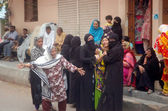 Relatives of Muhammad Imran, who killed by unidentified gunmen, are mourning on his death near his home in Lines Area in Karachi — Stock Photo