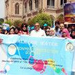 Teachers and students of Government College University participant in awareness walk for save water during demonstration on occasion of World Water Day  — Stock Photo