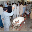Victims of firing incident at Prince Road being admitted at local hospital for treatment, in Quetta  — Stock Photo