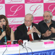 President Dawood Global Foundation, Tara Uzra Dawood talks to media persons during a press conference in connection of Ladies Funds at her office — Stock Photo