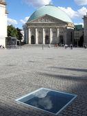 Catedral de memorial e hedwig em berlim, alemanha — Fotografia Stock