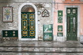 Front doors in Taormina — Foto Stock
