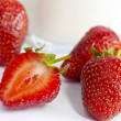 Strawberry ripe and juicy — Stok fotoğraf