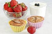 Cupcake bevattnas med sesamfrön — Stockfoto