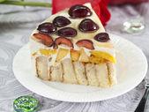 Zelfgemaakte cake met zoete kersen — Stockfoto
