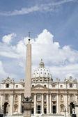 圣彼得斯大教堂、 圣彼得广场、 梵蒂冈、 罗马、 意大利 — 图库照片