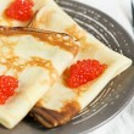 Pancakes with red caviar — Stock Photo #13255291