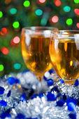 Deux verres de vin au moment de noël — Photo