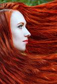 Kızıl saçlı kadın portresi — Stok fotoğraf