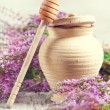 klei pot, Beer en heather — Stockfoto #37448651