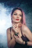 Güzel bir genç kadın portresi — Stok fotoğraf