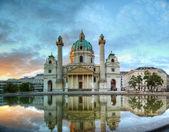 Karlskirche ve vídni, rakousko — Stock fotografie
