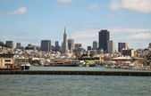 Downtown of San Francisco as seen from the bay — Stock Photo
