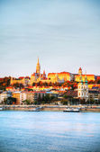 Old Budapest overview as seen from Danube river bank — Stock Photo