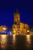 Vieille place du marché à prague dans la nuit — Photo