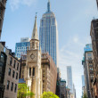 The Marble Collegiate Church and Empire State building in Manhat — Stock Photo