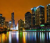 Trump International Hotel and Tower in Chicago, IL in the night — Stock Photo