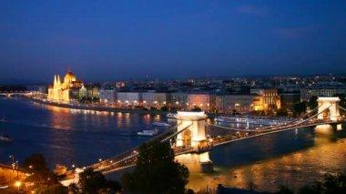 Szechenyi suspension bridge — Stock Video