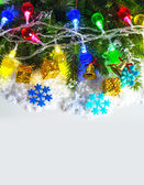 Christmas garland with evergreen branches — Stockfoto