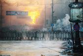 A row of the riot police at Hrushevskogo street in Kiev, Ukraine — Stock Photo