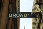 Broad street sign — Stock Photo