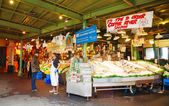 Stand at famous Pike Place market in Seattle — Stockfoto