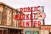 Famous Pike Place market sign in Seattle — Stock Photo