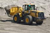 żółty buldożer — Zdjęcie stockowe