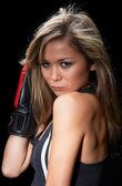 Söt flicka med boxhandskar — Stockfoto