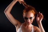 довольно красный волосы-девушка — Стоковое фото