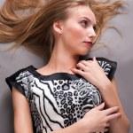 Bella donna bionda — Foto Stock