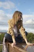 Pretty girl in park — Stock Photo