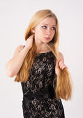 Retrato de uma linda menina loira — Foto Stock