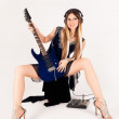 Beautiful woman with guitar — Lizenzfreies Foto